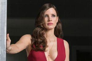 Mỹ nhân IT được khen ngợi khi diện váy cúp ngực sexy trên thảm đỏ