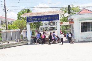 Diễn biến mới nhất vụ thầy giáo bị tố sàm sỡ nhiều nữ sinh ở Cà Mau