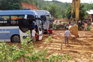 Quảng Trị: Thi công đường gây... tắc đường trầm trọng ở Đăkrông