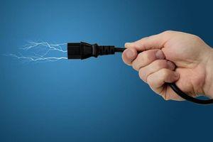 Sửa đường điện cho gia đình chị gái, em trai bị điện giật tử vong