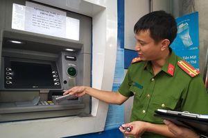 Người dân cần làm gì để không bị đánh cắp thông tin thẻ ngân hàng?