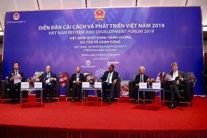 TS Nguyễn Sĩ Dũng: Việt Nam như con nhộng mới lột một nửa, nửa pháp quyền, nửa Xô viết
