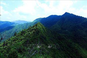 Khám phá đỉnh Pú Huốt - Mường Phăng