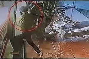 Mang búa, bình hơi cay đi cướp tiệm vàng ở Nam Định