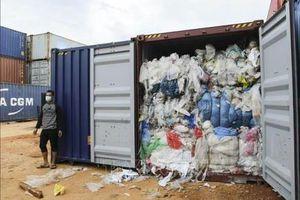 Indonesia tiếp tục gửi trả rác thải nhựa ô nhiễm cho Australia