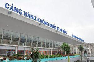 Thản nhiên 'nhặt' chiếc vòng tay ở sân bay, một hành khách bị phạt 8,5 triệu đồng