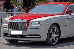 Coupe siêu sang Rolls-Royce Wraith phối màu lạ dạo phố Hà Nội