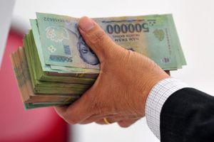 Hiệu phó nhận 300 triệu để sửa điểm thi THPT ở Hòa Bình