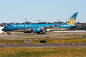Vietnam Airlines nói gì về chuyến bay suýt hạ cánh không có bánh sau?