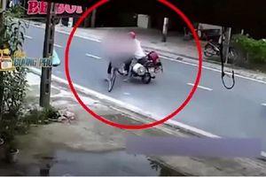 'Dê cụ' 43 tuổi thản nhiên chặn đường, sàm sỡ bé gái