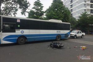 Cô gái tông vào xe buýt ngã bất tỉnh ở Sài Gòn, nghi chạy đuổi theo cướp