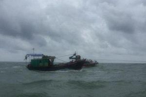 Một tàu cá Bình Thuận gặp sự cố tại quần đảo Trường Sa