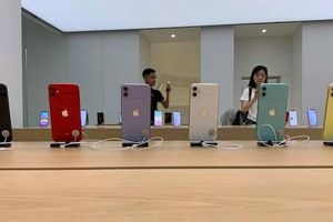 Cận cảnh bộ ba iPhone 11 đầu tiên về Việt Nam giá tới 50 triệu đồng