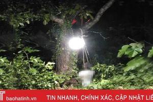 Phát hiện người đàn ông chết trong tư thế thắt cổ ở phố núi Hà Tĩnh