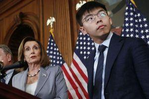Trung Quốc thấy bị 'uy hiếp' khi Quốc hội Mỹ họp báo ủng hộ nhóm Hoàng Chi Phong