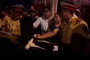 Lãnh đạo UBKT Đảng ủy Khối cơ quan và Doanh nghiệp tỉnh Hà Tĩnh uống rượu lái xe gây tai nạn