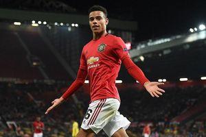Sao trẻ lập công, MU thắng nhọc trận ra quân Europa League