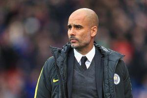 Man City vs Watford: Nhà vô địch khủng hoảng hàng thủ