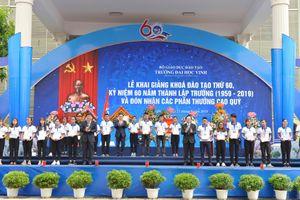 Bộ trưởng Phùng Xuân Nhạ dự khai giảng khóa đào tạo thứ 60 Trường Đại học Vinh