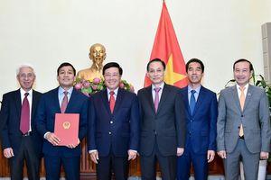 Kiện toàn, bổ nhiệm nhân sự ở Bộ Ngoại giao, Văn phòng Chính phủ