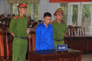 Hoãn phiên tòa xét xử đối tượng giết người tình trong cơn 'ngáo đá' vì ngỡ là con rắn