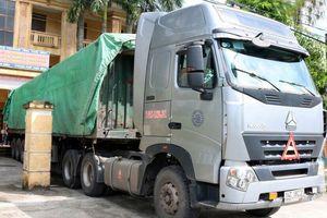 Bắt giữ 12 tấn hàng nghi vi phạm về nhãn hiệu hàng hóa