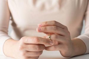 Vợ chồng đã ly hôn nhưng vẫn tranh chấp tài sản thì làm thế nào?