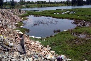 Rác thải xây dựng 'xâm chiếm' dự án tại Đà Nẵng