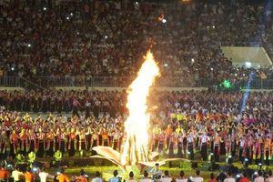 Clip: Choáng ngợp với màn đại xòe 5.000 người ở Yên Bái