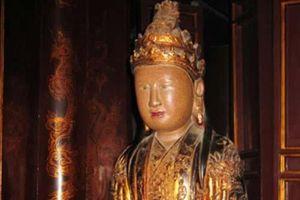Người phụ nữ Việt có 2 chồng, con rể, cháu ngoại làm vua