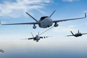 Mỹ thử nghiệm máy bay không người lái tiếp dầu trên không đầu tiên cất hạ cánh trên tàu sân bay