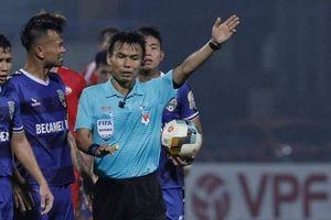 Trọng tài 'bẻ còi' ở V-League sẽ bị xử phạt thế nào?