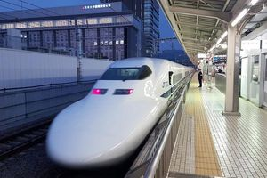Ưu tiên đầu tư đường sắt tốc độ cao đoạn TP.HCM-sân bay Long Thành
