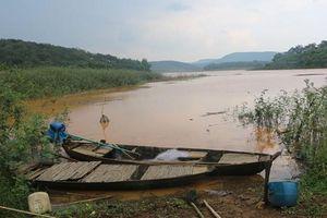 Bình Phước: Ba học sinh đuối nước thương tâm sau khi rủ nhau chèo thuyền ra hồ tắm
