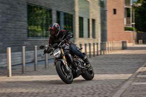 Ducati Monster 1200 S Black on Black ra mắt thị trường quốc tế