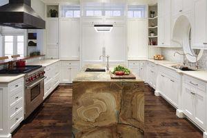 Đảo bếp tuy nhỏ nhưng lại mang đến vô vàn tiện dụng cho gia đình