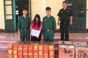 Bắt nhóm người dùng xe bò chuyển gần 150 kg pháo về Việt Nam