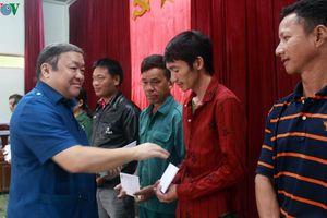 Chủ tịch Hội Nông dân Việt Nam thăm người dân vùng 'rốn lũ' Quảng Bình