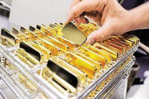 Vì sao giá vàng bỗng nhiên tăng mạnh?
