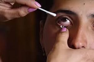 Kỳ lạ cô gái khóc ra pha lê ở Armenia