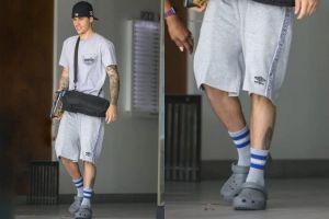 Nhờ Justin Bieber phối đồ đẹp, dân mạng đòi mua ngay giày Crocs