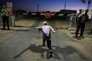 Dọa ném bom người ở gần Khu 51, không quân Mỹ phải xin lỗi