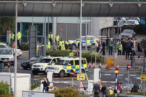Sân bay Manchester nhận bưu kiện khả nghi, tạm ngưng mọi tuyến xe ra vào