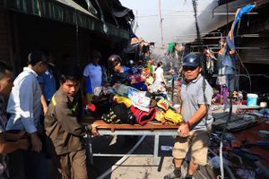 Cháy lớn tại chợ Tó Đông Anh - Hà Nội