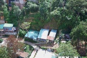Hàng loạt nhà không phép mọc giữa rừng thông tại Đà Lạt