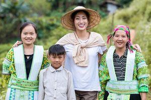 Lương Thùy Linh để mặt mộc vẫn xinh rạng rỡ, quyết lập kỳ tích tại Miss World 2019 với dự án mở đường ở Cao Bằng