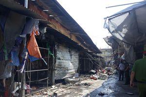 Cháy lớn tại chợ Tó Đông Anh, nhiều gian hàng bị thiêu rụi