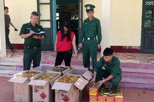 Quảng Ninh: Bắt giữ 2 đối tượng vận chuyển hơn 1 tạ pháo lậu từ Trung Quốc về Việt Nam