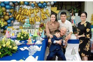 Sau bao 'ồn ào' hậu ly hôn Nhật Kim Anh gây bất ngờ khi cùng chồng cũ tổ chức sinh nhật cho con trai