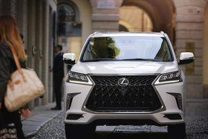Lexus LX 570 thể thao hơn với gói phụ kiện đắt tiền